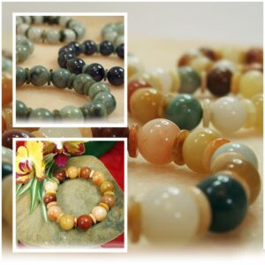 Many coloured jade bracelets can be found in the Metiisto collection